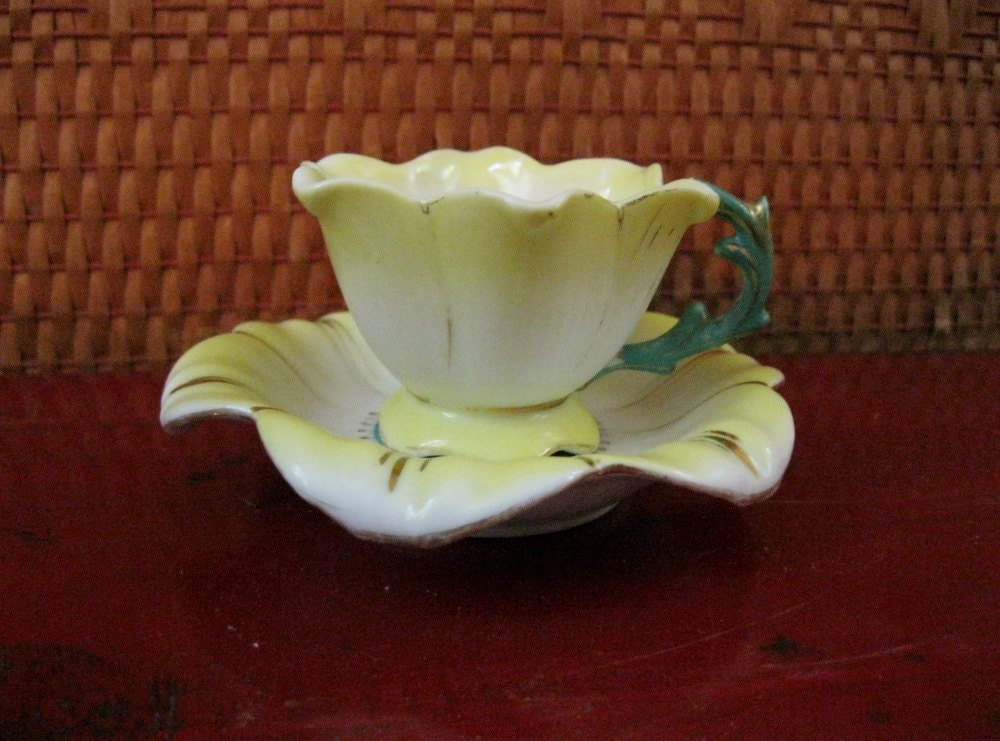 Merit Occupied Japan Tea Cup Flower Shaped Cup Saucer