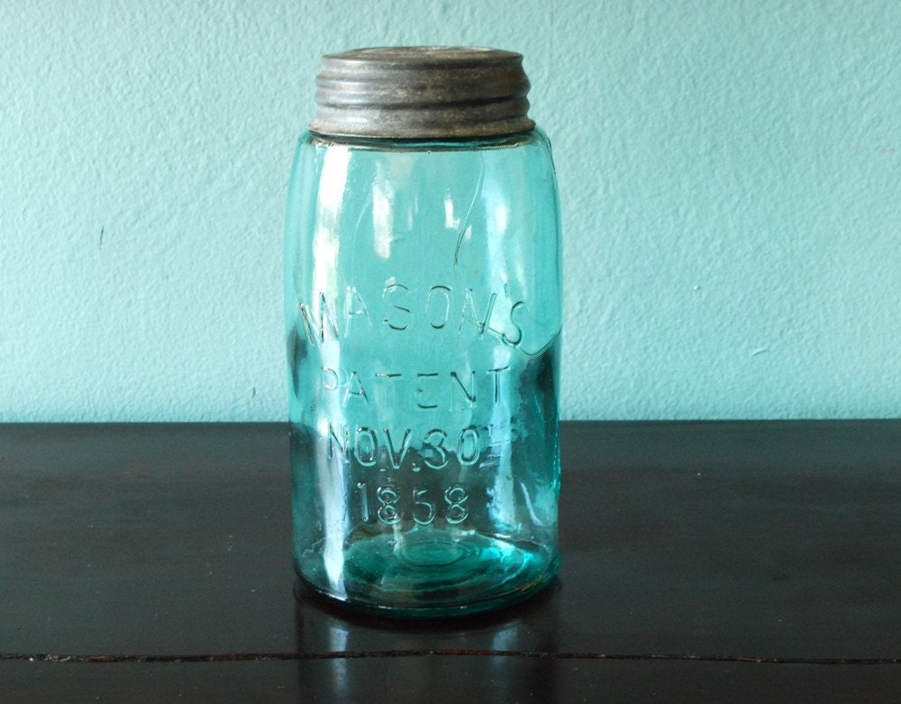 dating antique mason jars Great graphic to assist with dating antique ball mason jars ball jar logo dating i totally had one with the block lettering  mason jar ideas - i love mason jars .