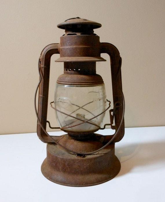 Antique Dietz No 2 Large Fount Wizard Railroad Lantern