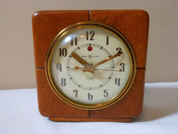 Vintage GE Oak Wood Art Deco Electric Clock