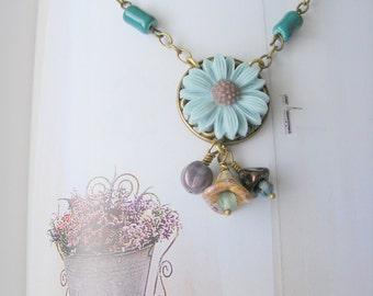 Flower cabochon, antique brass necklace