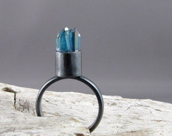 Aqua Aura Quartz Points Ring
