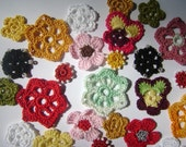 30 hand crochet cotton flowers mix of colors and designs (E327)