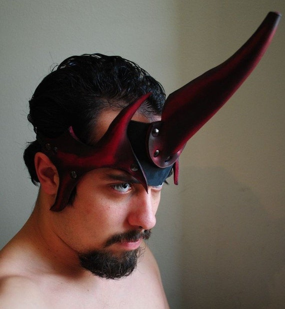 Summoner's Horn Leather Mask
