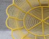 Retro Yellow Wire Fruit Bowl - Metal Basket - Upcycled