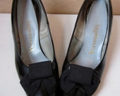 70's Lustrous Black High Heels with Canvas Bows, Womans 7 8