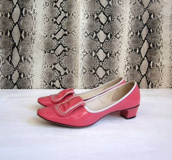 vintage MOD 60's pepto bismol pink leather hi brows heels women's 6 - 6 1/2