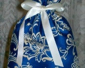 Blue and Beige Floral Small Fabric Gift Bag - Elegant, Oriental, Asian, Flowers, Paisley, Flourishes, Ivory, All Occasion