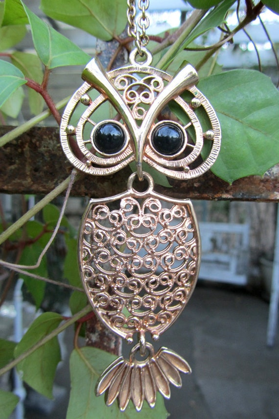 Vintage 70s GOLD OWL Necklace By Sarah Coventry Vintage Clothing by TatiTati Vintage on Etsy