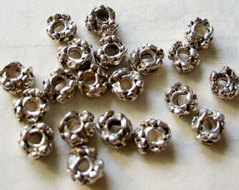 30Pcs Alloy Metal Flower Shape Loose Base Link Spacer Beads Finding--30Pieces--5mm x 3mm  ja192
