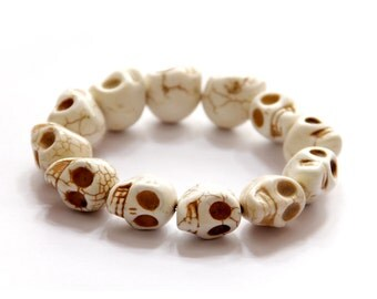 12 Big Imitate White Turquoise Carved Skull Head Beads Stretchy Charm Bracelet--Length In About 170mm  T2746