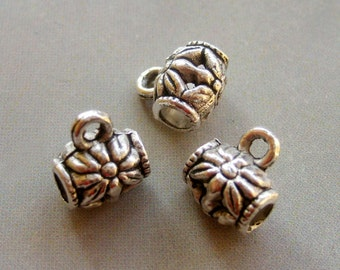 20Pcs Alloy Metal Barrel Carved Flower Hollow Pendant Beads Finding--20Pieces--9mm x 8mm  ja225