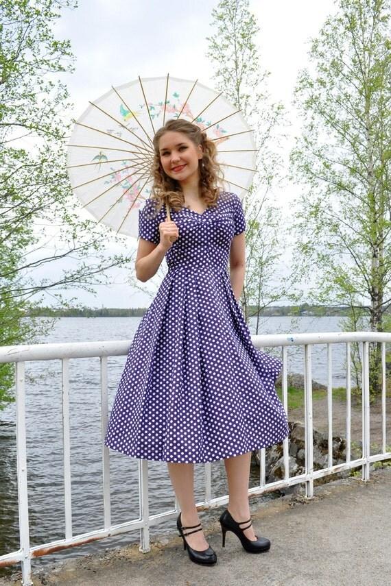 SALE Polka dot dress 50s style, purple cotton with white polka dots dots, size US 8 -25%