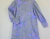 Adorable 1970's Floral Lavendar Long Sleeved Dress