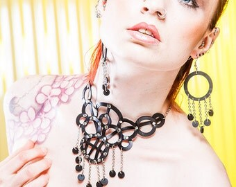 Recycled rubber earings with chain fringe
