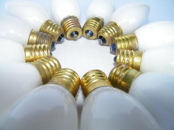 12 WHITE C9 1/4 - 7 WATT Christmas Lightbulbs
