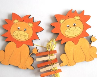 Kids art display hanger - orange lions artwork display, kids art hangers, boys wall decor, baby shower decoration