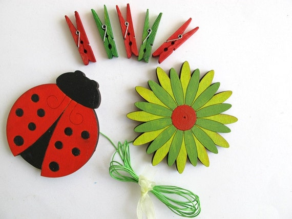 Children's  Artwork display hanger- lady bug- green and red wall art- kids wall decor hangers, baby shower decoration