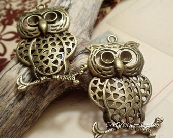 2 pcs of Antique Bronze Large Muti-holes Owl on Branch Charms Pendants Drops A18-Rd