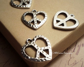8pcs of Hammered Silver Heart Shaped Peace Sign Charms Pendants Drops Rd N13