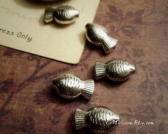 8pcs Antiqued Silver Cute 3D Chubby Fish Beads M33-Gv