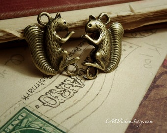 6pcs of Antiqued Bronze Double-sided  Squirrel Connector Charms Pendants Drops M34-Rd