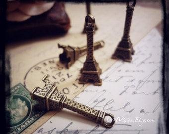 10pcs of Antique Bronze - Medium 3D Eiffel Tower - Travel Theme Charms Pendants Drops M60-Xb369