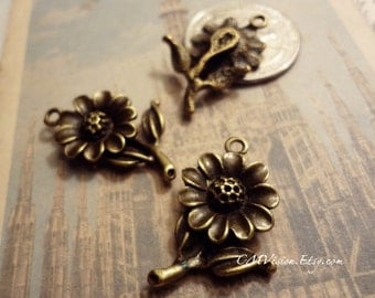 20pcs of Antiqued Bronze Detailed Sunflower Charms Pendants Drops HK9021-M05