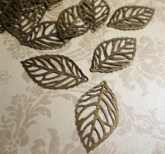 20pcs Antiqued Bronze 20x35mm  Cute Flat Skeleton Leaf Charms Pendants Connectors Light Weight Earrings Drop JS N54