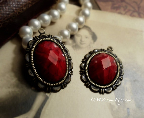 2pcs of Antiqued Brass with 18x13mm High Quality Acrylic Faceted Oval Ruby Gem Cameos Cabs Earring Pendant Drop Charm Ga1