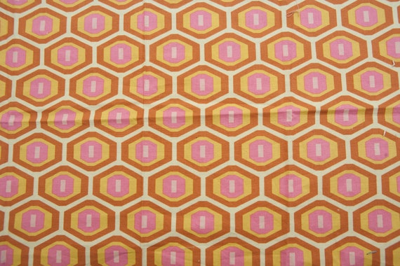 """Sale - Geometric - Cotton Quilting Fabric - 17"""" x 20"""" - End of bolt"""