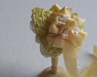 Lovely 1/12 dollshouse handmade gren straw narrow bonnet