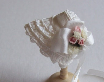 Lovely 1/12 dollshouse handmade ivory straw narrow bonnet