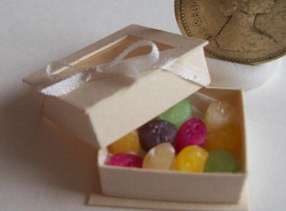 1/12 handmade dollshouse box of jellies