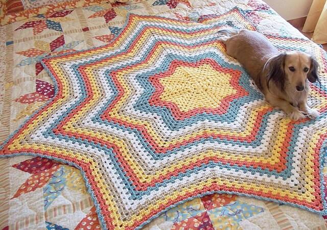 Granny Star an Eight Point Round Ripple Crochet Pattern.