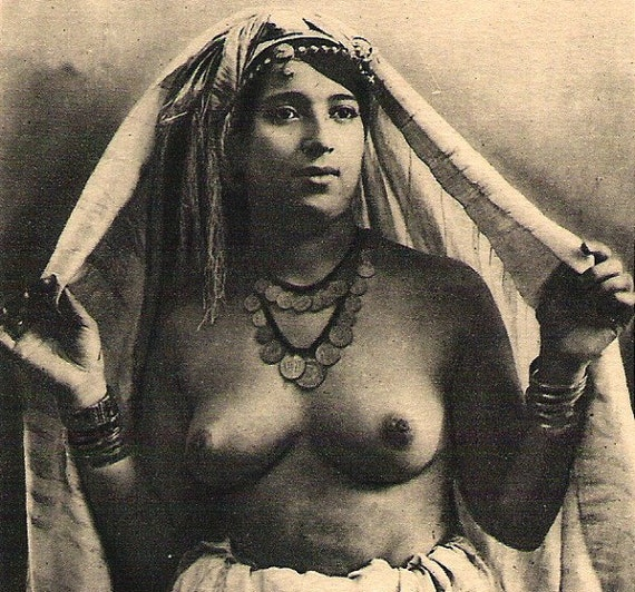 RISQUE TOPLESS WOMAN Ethnic Arab nude w/jewelry Antique Early 1900s Rppc real photo Photograph Unused Post Card