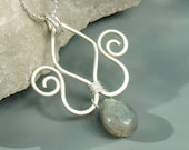 Labradorite tulip pendant with hungarian motif silver plated jewely