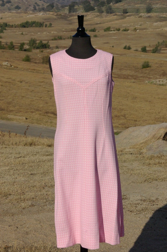 Vintage 1960s Pink Houndstooth Double Knit Polyester Joan Dress L/XL