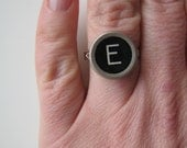 Vintage black typewriter key ring - E