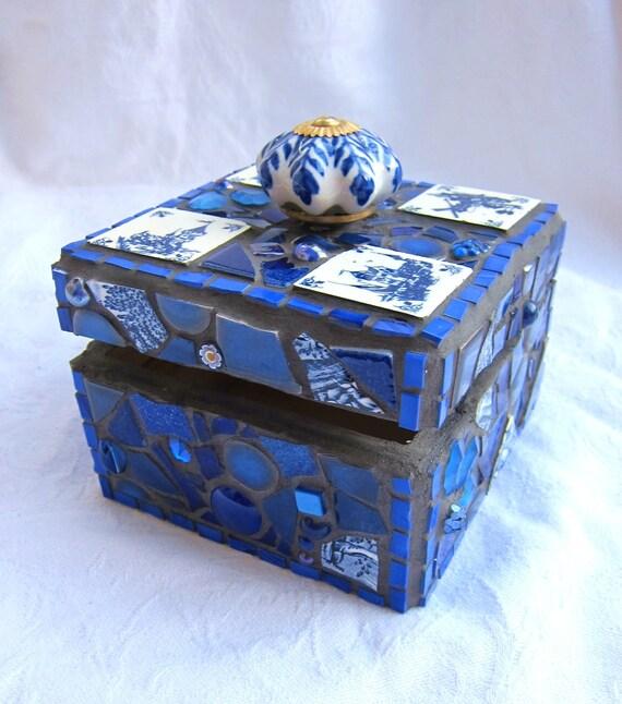 Amsterdam Mosaic Box in white and blue - treasure chest, jewelry box