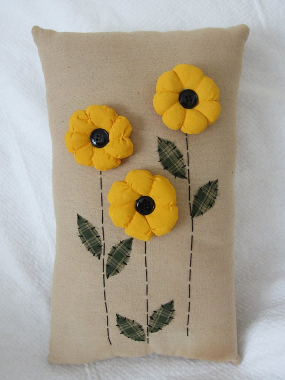 Primitive Puff Daisy Flowers Pillow