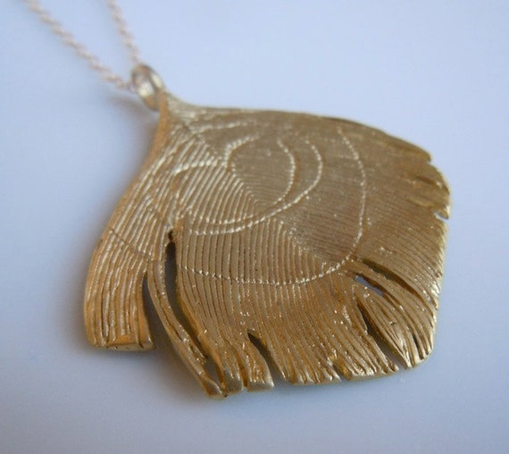 Peacock Feather Necklace in Gold