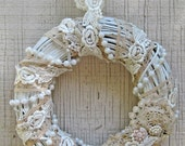 Shabby Chic  Wall Hanging - White/Biege