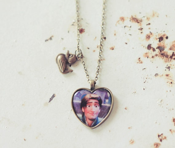 Flynn - LAST ONE - valentine cameo necklace