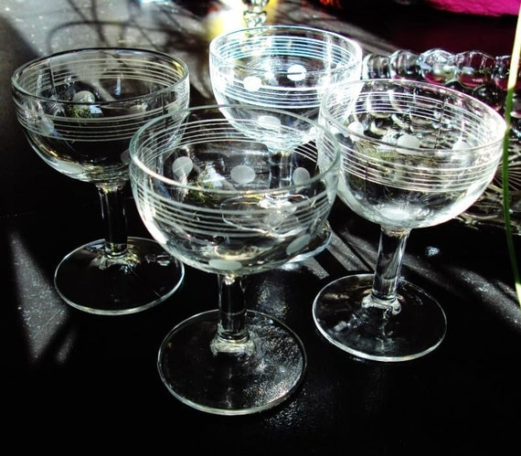Set of 4 Miniature Vintage Etched Glass Cordial Spirit Champagne Wine Glasses