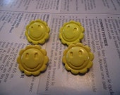 RTS- Set of 4 Plastic Sunshine Buttons
