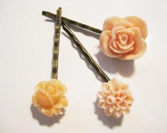 Pale Peach Rose and Mum Bobby Pin Set