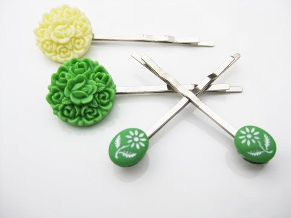 Green and Ivory Color Rose Bouquet and Floral Bobby Pin Set