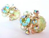 vintage 1950s rhinestone earrings / aurora borealis AB & molded glass / sea foam green pearls
