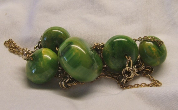 """RESERVED green bakelite beads necklace chain 27"""" long"""